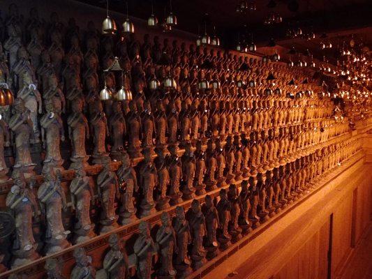 Collection de statues