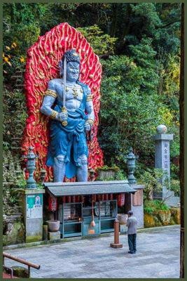 Statue du dieu protecteur